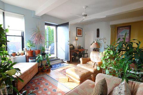 Property, Room, Living room, Building, Interior design, House, Home, Real estate, Furniture, Ceiling,