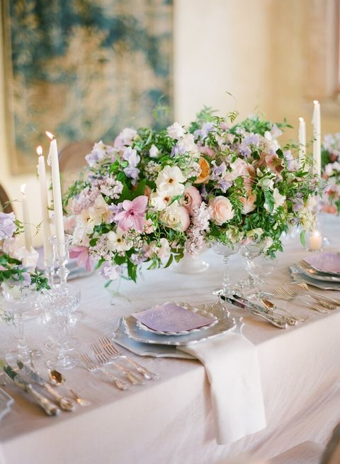 Centrepiece, Flower, Flower Arranging, Pink, Floristry, Floral design, Tablecloth, Bouquet, Plant, Cut flowers,