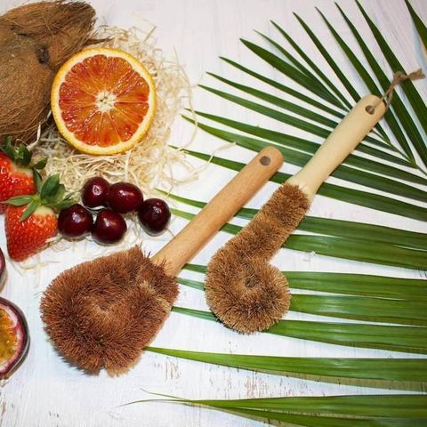 Coconut fibre dish brushes plastic-free kitchen