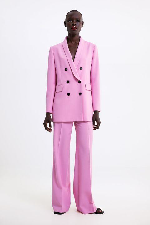 9c0b8c659 Vicky Martín Berrocal tiene el traje rosa claro de Zara que no te ...
