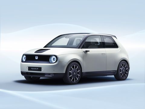 Land vehicle, Vehicle, Car, Automotive design, Motor vehicle, City car, Alloy wheel, Rim, Hatchback, Wheel,