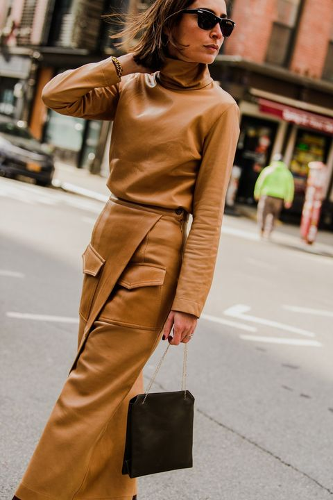 Clothing, Street fashion, Fashion, Eyewear, Shoulder, Brown, Sunglasses, Snapshot, Leather, Footwear,