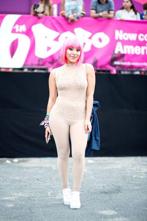 Clothing, Pink, Fashion, Beauty, Footwear, Street fashion, Leg, Shoulder, Model, Performance,