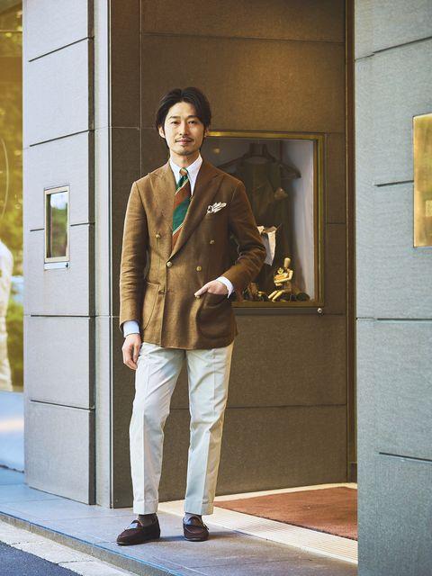 Clothing, Standing, Suit, Snapshot, Blazer, Fashion, Street fashion, Outerwear, Jacket, Beige,