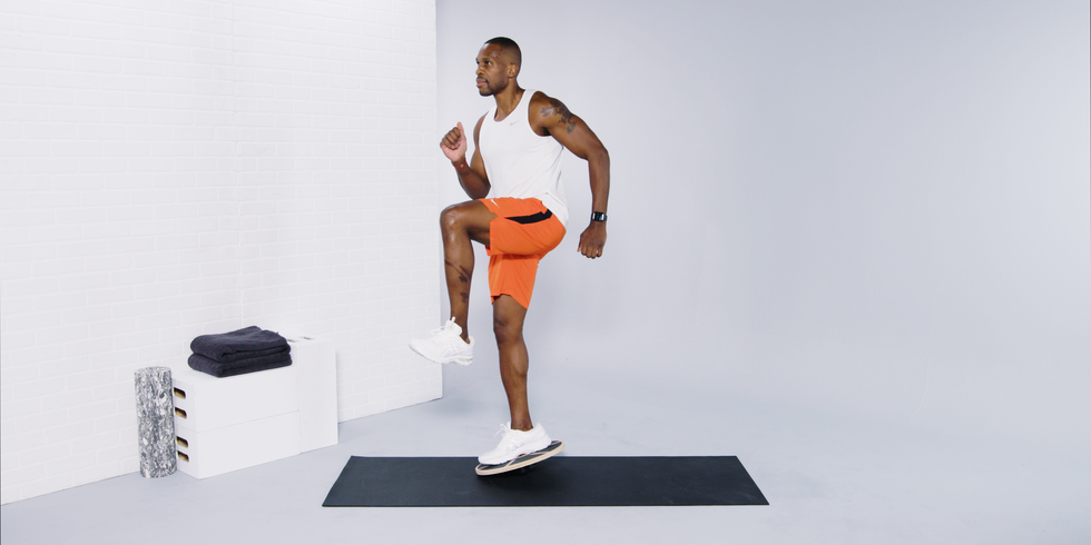 These Wobble Board Exercises Will Strengthen Your Feet, Ankles, and Core