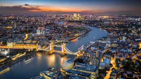 Cityscape, Metropolitan area, City, Aerial photography, Urban area, Sky, Metropolis, Human settlement, Water, Landmark,