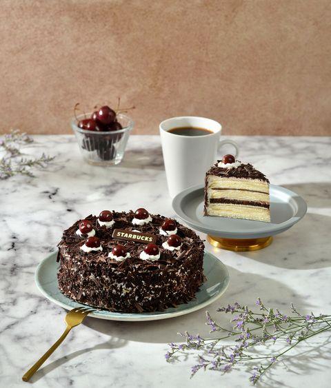 Food, Sweetness, Serveware, Cuisine, Dessert, Ingredient, Cake, Baked goods, Dishware, Tableware,
