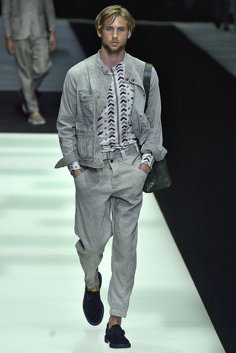 Fashion show, Fashion model, Runway, Fashion, Clothing, Human, Fashion design, Public event, Outerwear, Event,