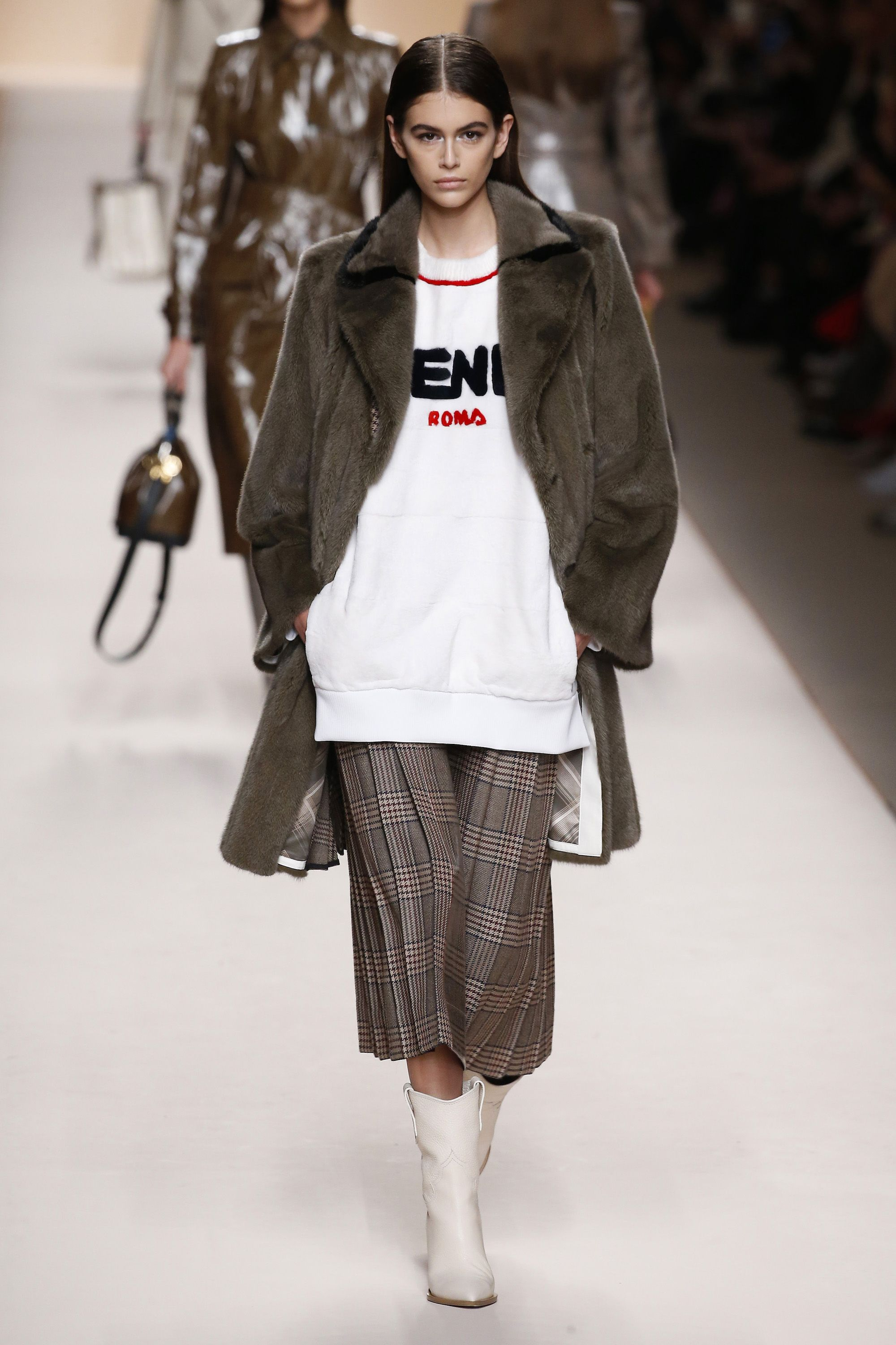 b5ae7bd393c9 See Every Look from Fendi Fall Winter 2018