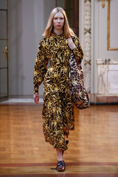 Fashion model, Fashion, Fashion show, Runway, Clothing, Haute couture, Fashion design, Outerwear, Dress, Long hair,
