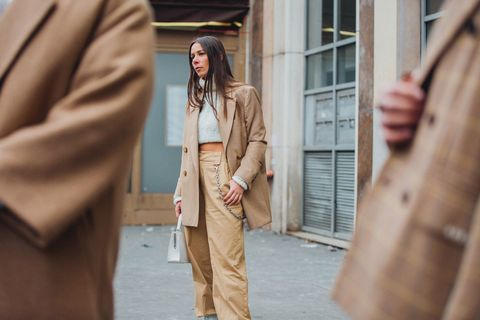 Street fashion, Clothing, Fashion, Outerwear, Trench coat, Blazer, Beige, Coat, Jeans, Suit,