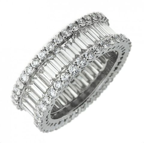 Jewellery, Ring, Fashion accessory, Diamond, Platinum, Metal, Body jewelry, Silver, Wedding ring, Engagement ring,