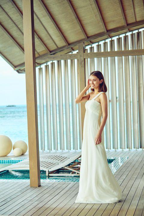 Dress, Photograph, Gown, Wedding dress, Clothing, Bridal party dress, Bridal clothing, Bride, Shoulder, Beauty,