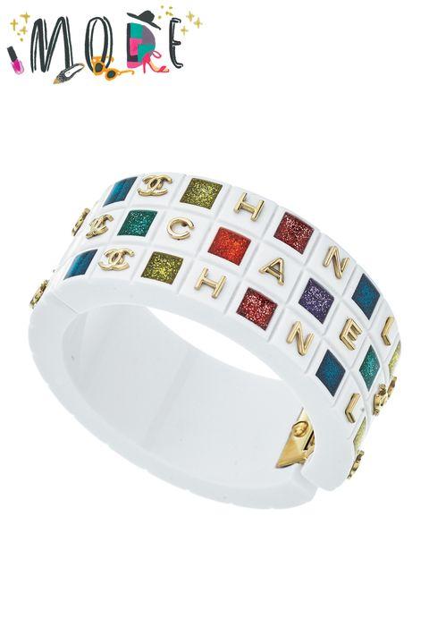 White, Bangle, Bracelet, Fashion accessory, Jewellery, Font, Ring, Tableware, Diamond, Metal,