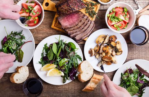 夕食に食べる量が減る|お酒をやめると、あなたに起こるかもしれない8つの変化