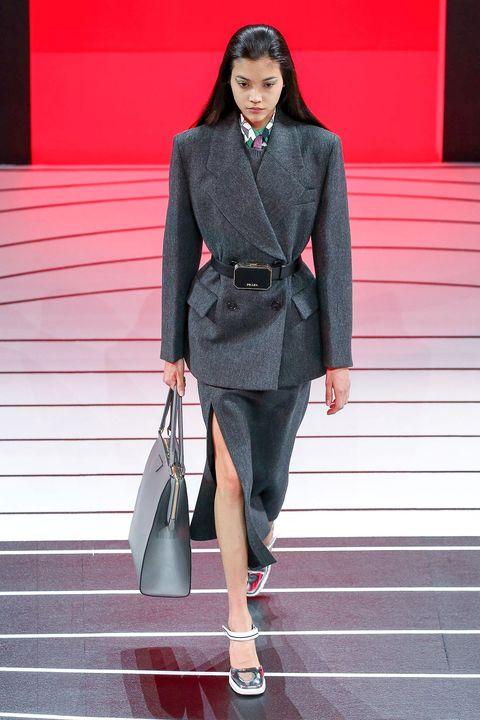 Fashion, Clothing, Street fashion, Fashion model, Runway, Fashion show, Blazer, Suit, Outerwear, Footwear,
