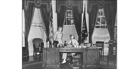 a look at the oval office desks of presidents past—one of which will soon be part of joe biden's workspace