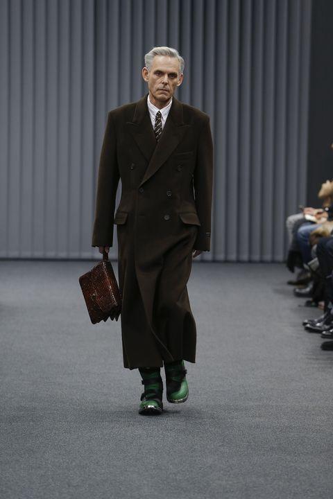 Coat, Collar, Trousers, Dress shirt, Outerwear, Suit trousers, Formal wear, Style, Suit, Blazer,