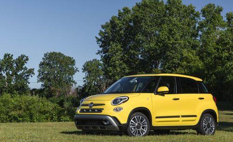 Land vehicle, Vehicle, Car, Motor vehicle, City car, Yellow, Vehicle door, Fiat 500, Mini SUV, Bumper,