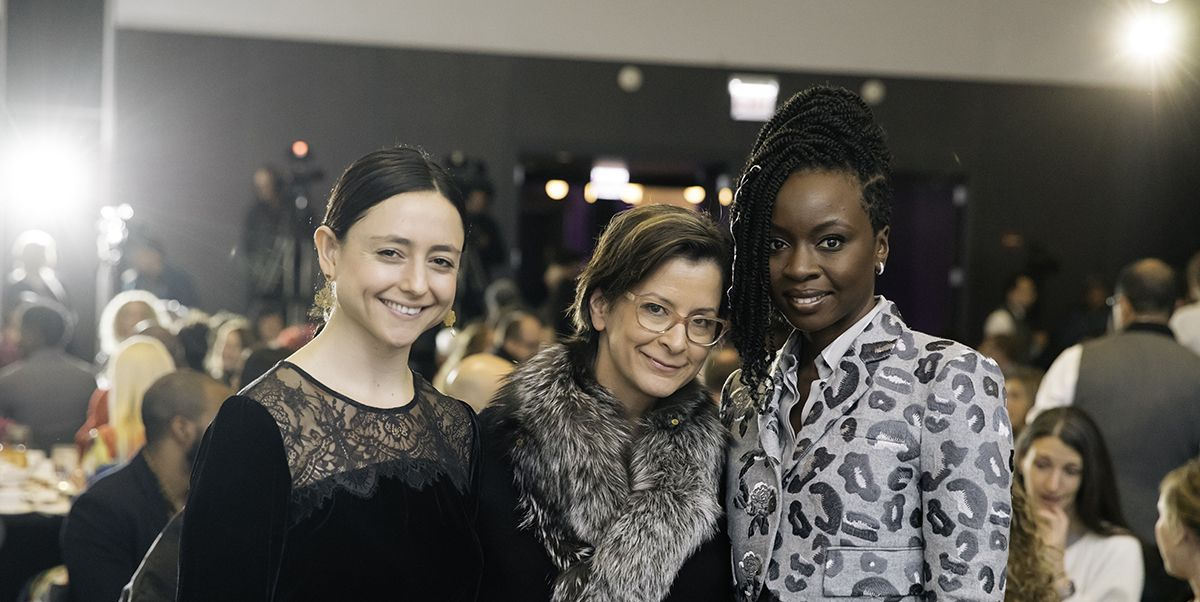 On December 10, the Steppenwolf Theatre Company hosted its 10th Anniversary Steppenwolf Women in the Arts fundraising luncheon, held in honor of actor and playwright Danai Gurira, whose play Familiar is currently running at the company's Downstairs Theatre. The lunch, which drew close to 300 guests, included presentations on Steppenwolf's educational projects and Gurira's career (including turns in Black Panther and The Walking Dead ), and a conversation including Gurira, Artistic Director Anna D. Shapiro and Steppenwolf Education Manager Jared Bellot.