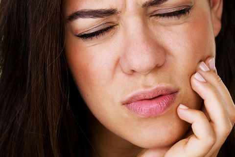 heart attack symptoms jaw pain