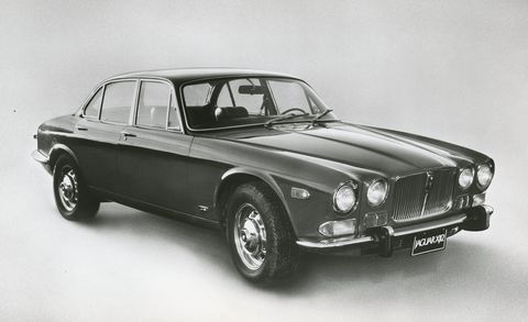 Land vehicle, Vehicle, Car, Luxury vehicle, Classic car, Coupé, Sedan, Daimler sovereign, Jaguar 420, Personal luxury car,