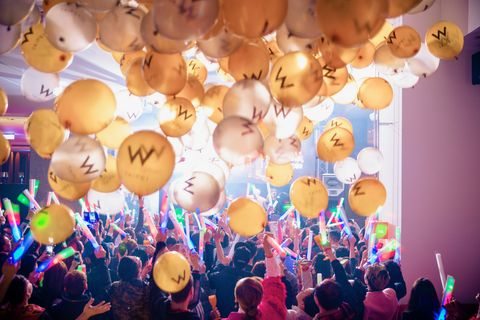 台北w飯店,跨年,派對,DJ,法國,放克,曲風,pastel,創作才子,氣球,香檳,螢光棒,演唱,電音,高空,空中,台北,信義區,台北101,酒吧,潮,優惠,搖滾,新生代,鮮肉,帥,woobar,特調,調酒,微醺,tabasco,快閃,餐車,塔可餅,連假,好友,閨蜜,情侶,煙火,ELLE愛吃貨,ELLE走透透