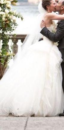 スーパーモデル 結婚 ウエディングドレス