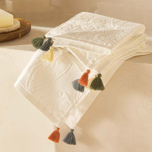 3 toallas de algodón con jacquard de flores y pompones multicolor en su extremo