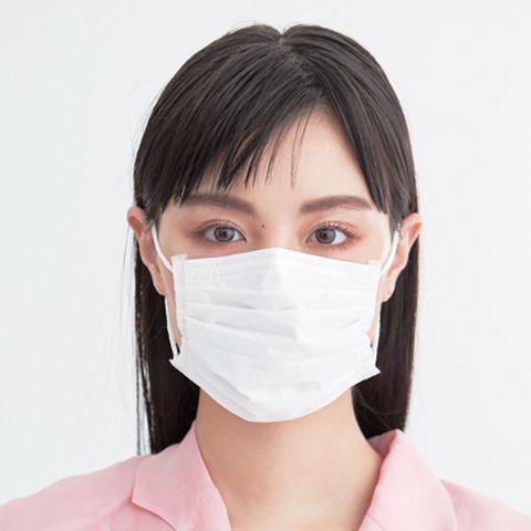マスクをしている鶴嶋乃愛さん