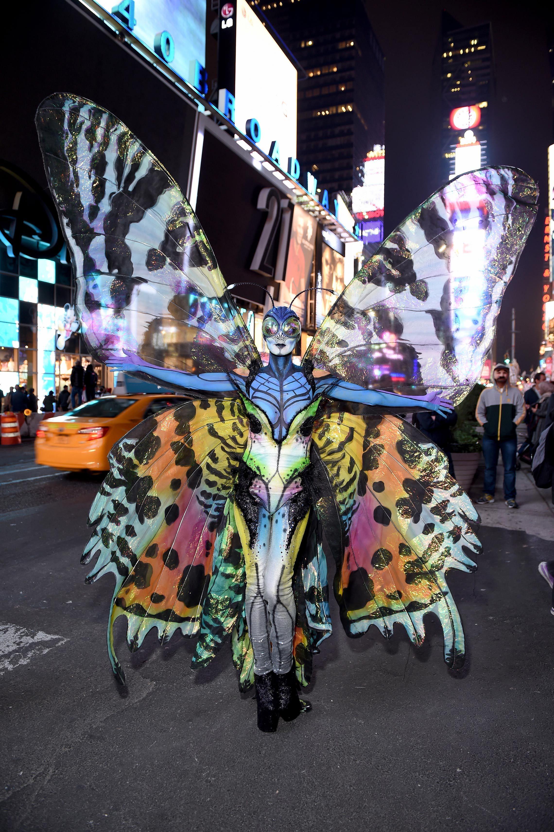 heidi klum halloween costumes over the years heidi klum
