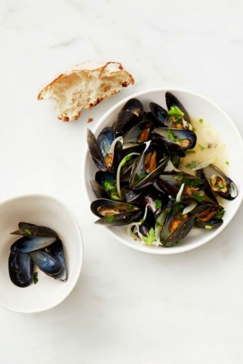 30-minute-dinners-white-wine-mussels