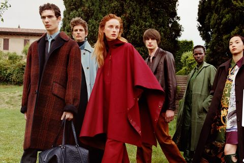 Maroon, Outerwear, Fashion, Costume, Adaptation, Middle ages, Formal wear,