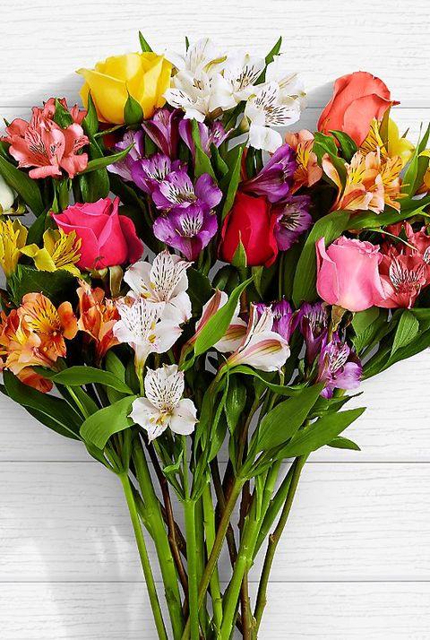 Flower, Bouquet, Flowering plant, Floristry, Flower Arranging, Cut flowers, Plant, Floral design, Petal, Artificial flower,