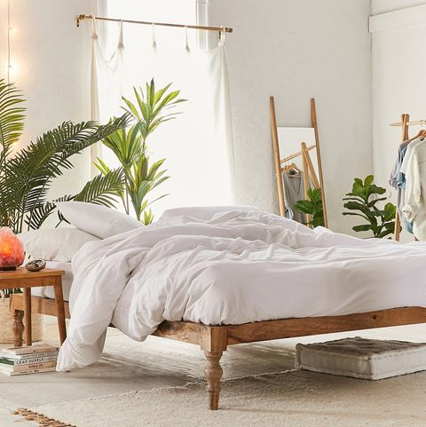 urban outfitters bedroom furniture