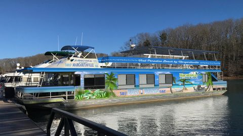 Water transportation, Motor ship, Vehicle, Transport, Waterway, Boat, Ferry, Mode of transport, Marina, Watercraft,