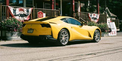 Land vehicle, Vehicle, Car, Supercar, Yellow, Automotive design, Sports car, Coupé, Performance car, Rim,