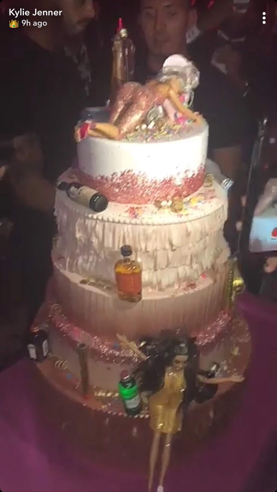 35 Best Kardashian Cakes All The Kardashian And Jenner Birthday Cakes