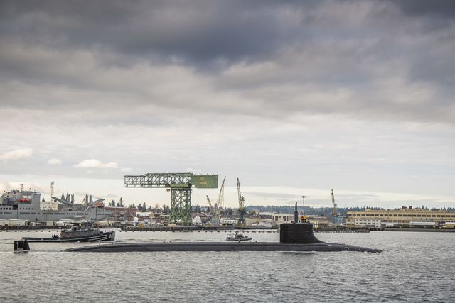 bremerton, wash dec 15, 2016   the seawolf class fast attack submarine uss connecticut ssn 22 departs puget sound naval shipyard for sea trials following a maintenance availability us navy photo by thiep van nguyen iireleased