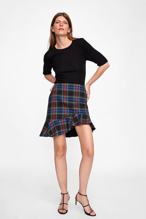 Clothing, Plaid, Tartan, Pattern, Shoulder, Waist, Kilt, Textile, Fashion, Design,
