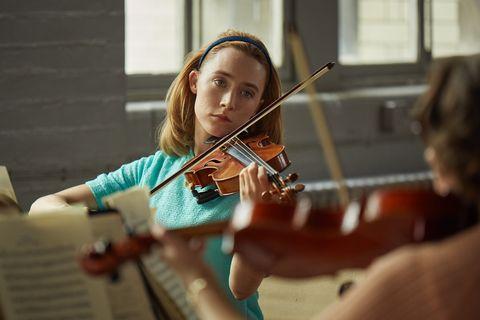 Violinist, Fiddle, Violin, Violist, Viola, Violin family, Musical instrument, String instrument, Bowed string instrument, Music,