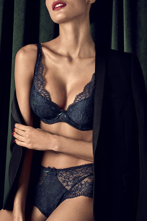 Brassiere, Lingerie, Undergarment, Clothing, Beauty, Skin, Model, Lingerie top, Agent provocateur, Lip,