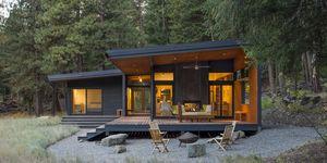 Una actual cabaña en la montaña, de PBW Architects