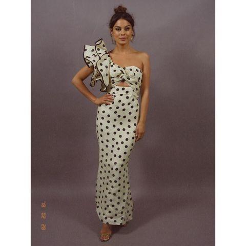 Clothing, Dress, Shoulder, Gown, Strapless dress, Day dress, Joint, Pattern, Polka dot, Fashion model,