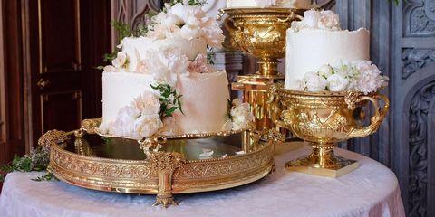 Wedding cake, Wedding ceremony supply, Floral design, Floristry, Centrepiece, Cake, Flower Arranging, Buttercream, Cake decorating, Sugar paste,