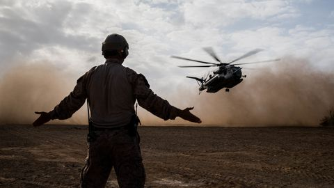 Helicopter, Rotorcraft, Helicopter rotor, Military helicopter, Vehicle, Aircraft, Black hawk, Aviation, Air force,