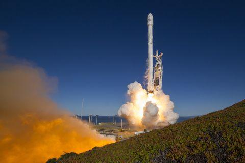 spacex-irdium-1.jpg