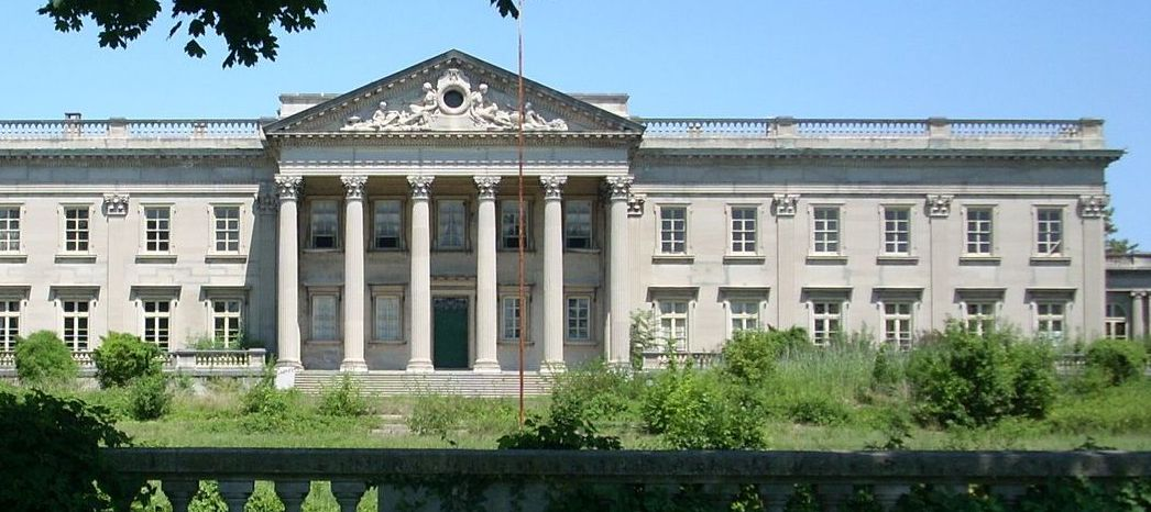 10 creepy abandoned mansions expensive abandoned houses in the world