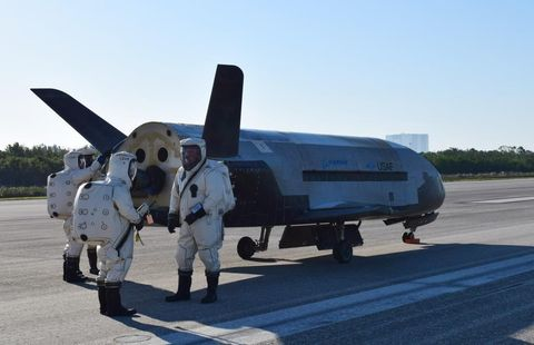 X-37B OTV4 lands at Kennedy Space Center