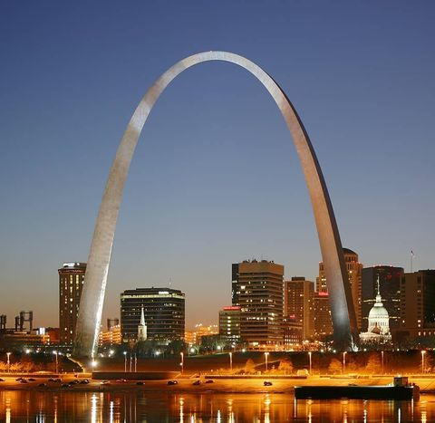 The Gateway Arch in St. Louis standing 630 feet tall.
